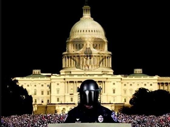 Сенатор США обратился к американским властям: «Хватит крушить страны силой и майданами!»