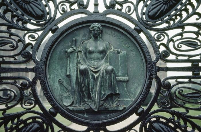 Еврейскую хунту Украины должны уже давно судить в Гаагском трибунале