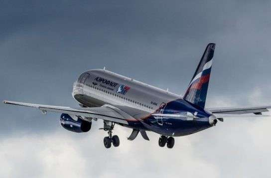 «Сухой» поставит 50 Superjet 100 для Минобороны и специальному летному отряду «Россия»