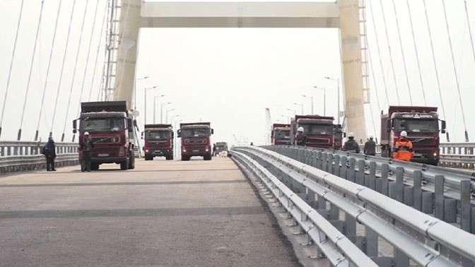 Крымский мост выдержал испытание на прочность тяжелой техникой