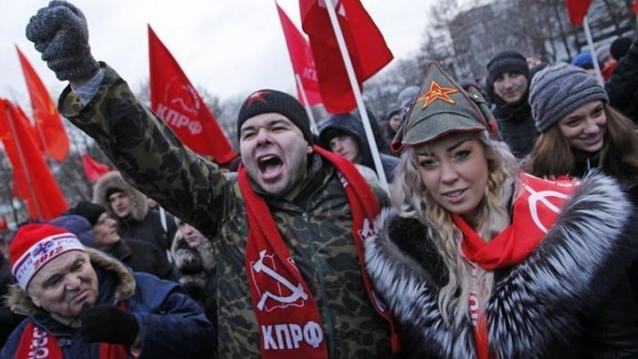 У Запада нет сил для войны, поэтому он нацелен на подрыв России изнутри. Вспышка слева