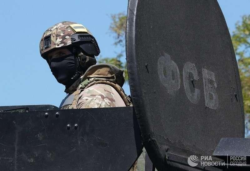 ФСБ нейтрализовало 12 террористов-наёмников ИГИЛ по всей России