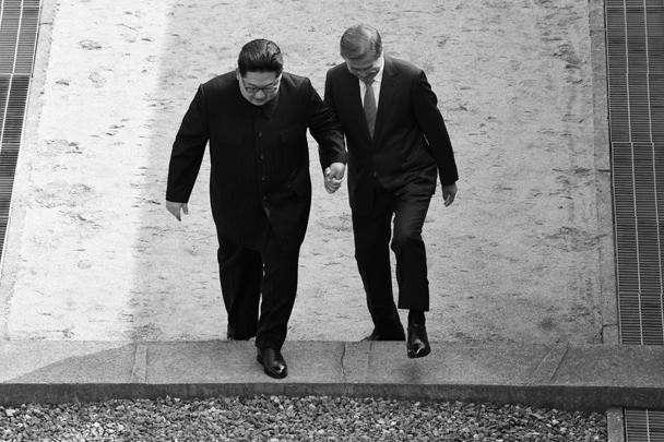 Ким Чен Ын стал первым лидером КНДР, ступившим на южнокорейскую территорию