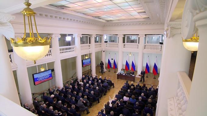 Владимир Путин обсудил с членами Совета законодателей реализацию Послания Президента
