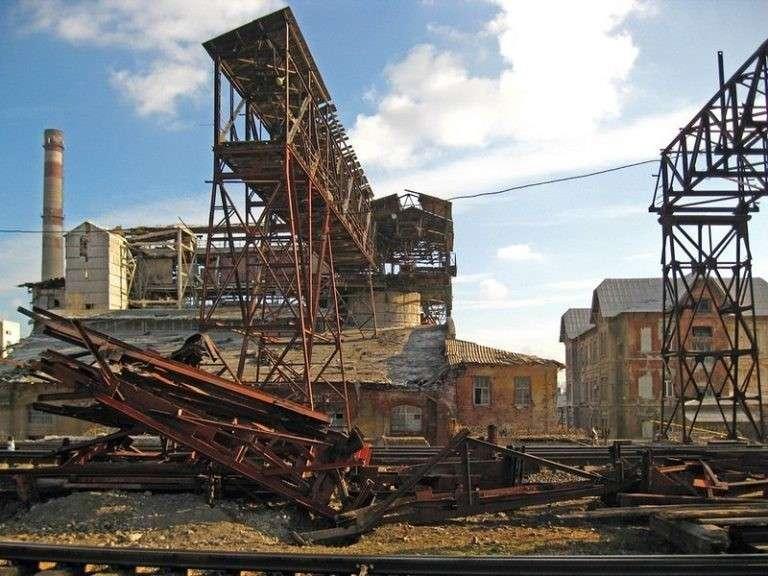 На Украине, как и в Прибалтике, развал промышленности преследует политические цели