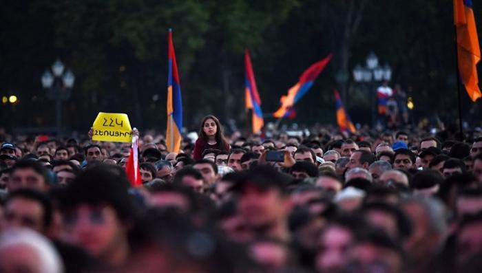Правящая партия Армении отказалась выдвигать нового премьер-министра