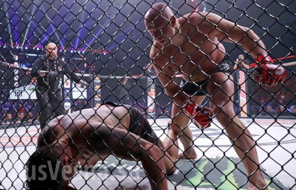 Фёдор Емельяненко наказал американца, едва выйдя на ринг | Русская весна