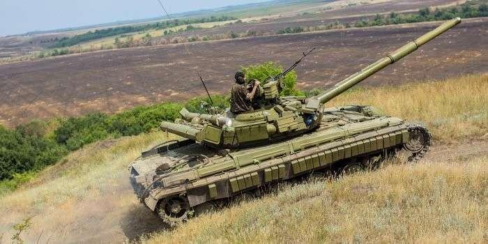 В Мариуполе у карателей угнали два танка