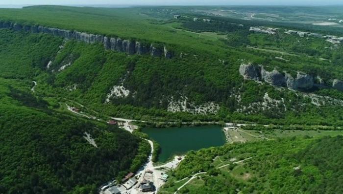 Отдых в Крыму. Полуостров встречает туристов рекордным теплом