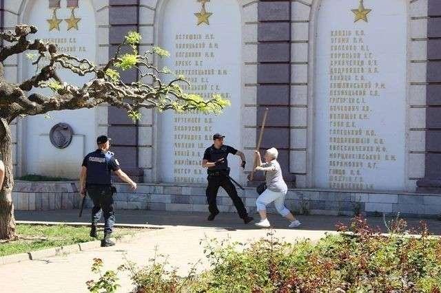 Первое мая на Украине: город-герой Одесса не сдаётся «шуцманам»!