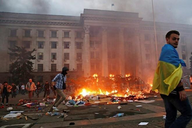 В Одессе в Доме Профсоюзов имела место массовая, публичная казнь. Палачей к ответу!