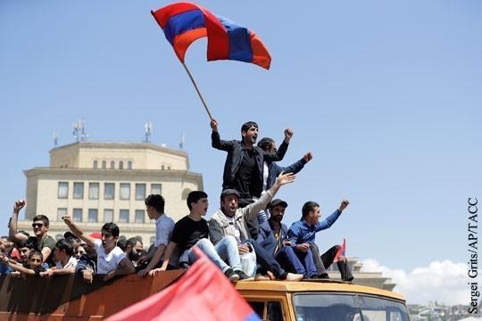 Майдан в Армении перешл к «насилию над людьми»
