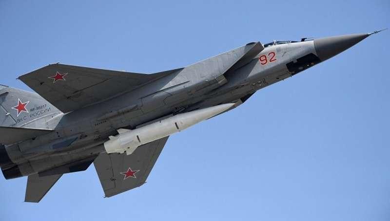 Десять МиГ-31 с ракетами «Кинжал» уже защищают Россию