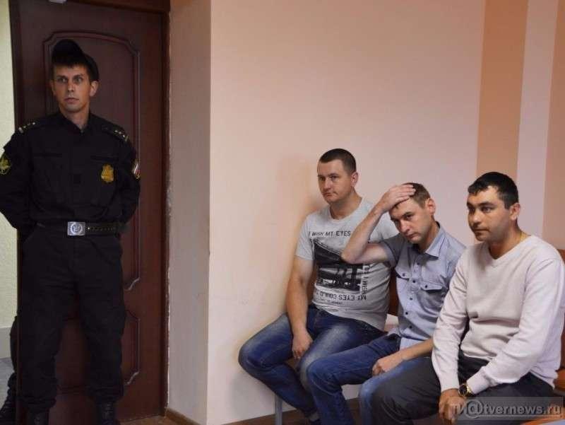 Суд посадил инспекторов ГИБДД, посмевших остановить представителя судейской династии