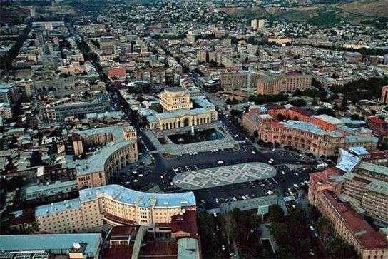 Цветная революция в Армении не обошлась без фашиста Сороса
