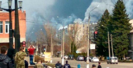 Украинцы поджигают склады с боеприпасами, чтобы сорвать масштабное наступление на Донбасс