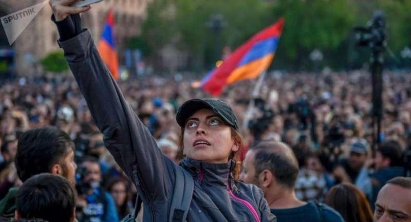 Армения: технология безупречного переворота на пальцах