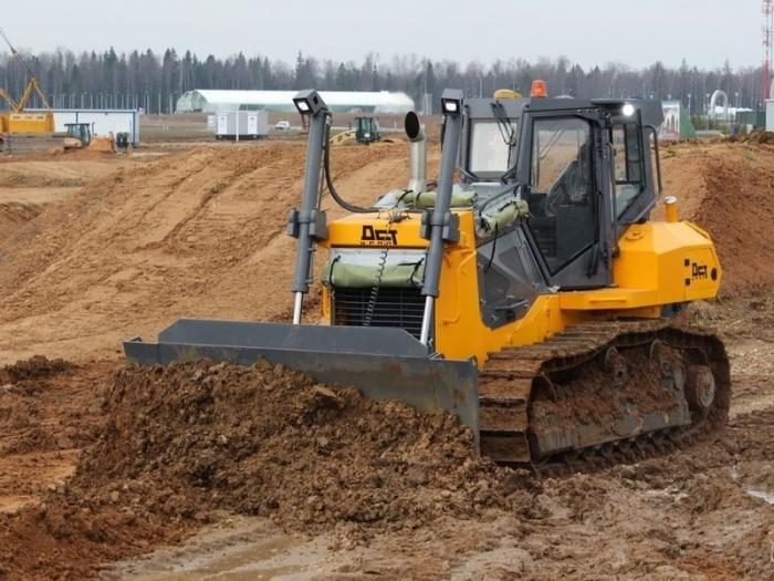 В России представили новую модель бульдозера сдистанционным управлением