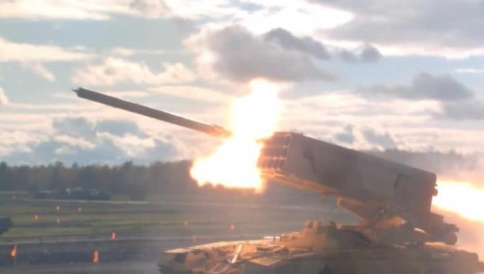 Россия демонстрирует тяжелый огнемет «Солнцепек» в Иордании