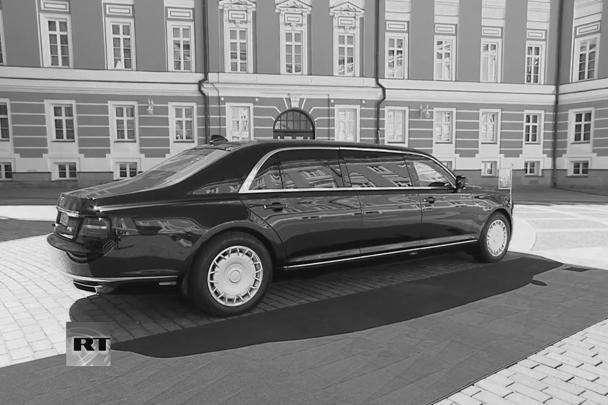 Серийный автомобиль будет стоить от 6 млн рублей, но в среднем на 15% меньше своих иностранных конкурентов премиум-класса, обещал глава Минпромторга Денис Мантуров
