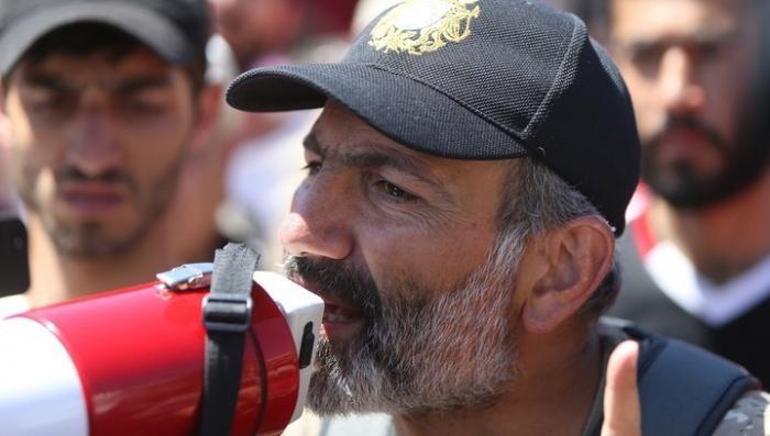 Никол Пашинян стал премьер-министром Армении со второй попытки