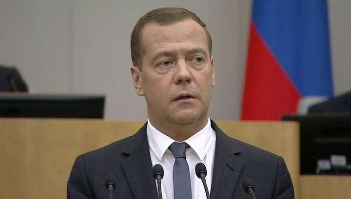Дмитрий Медведев утвержден премьер-министром большинством голосов