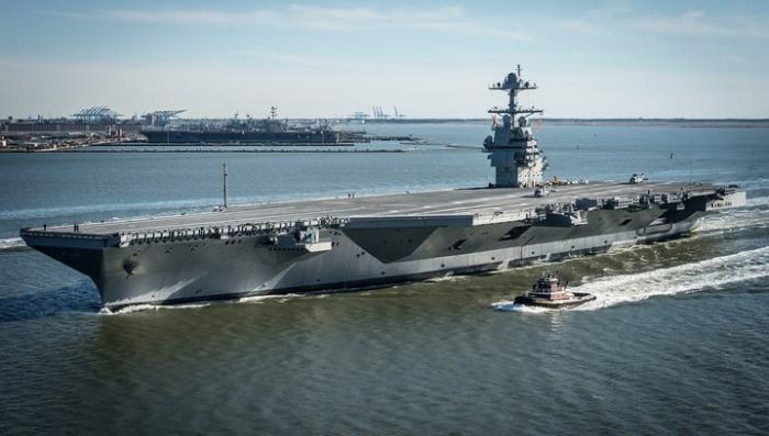 Новейший авианосец США «Джеральд Форд» никак не могут починить