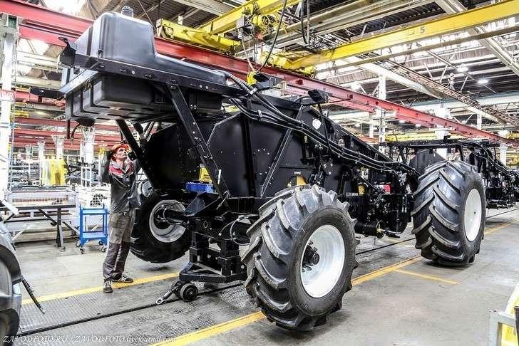 Как собирают самые мощные, инновационные сельхозмашины Ростсельмаша