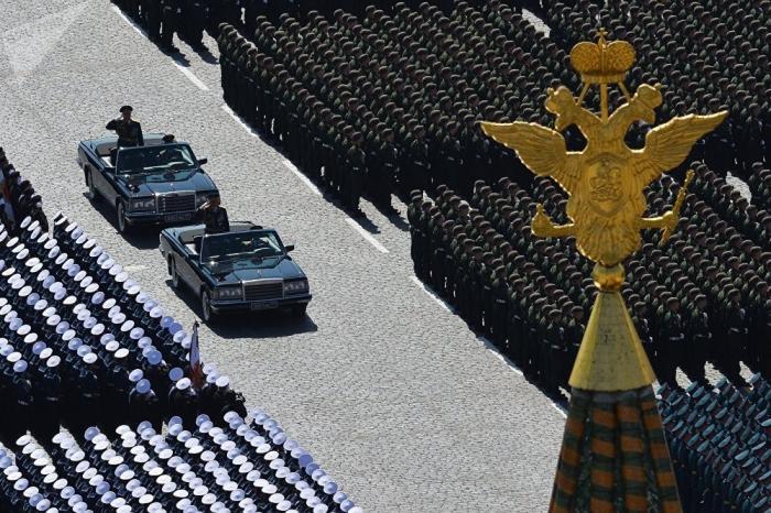 На Красной площади в Москве проходит парад Победы. Прямая трансляция