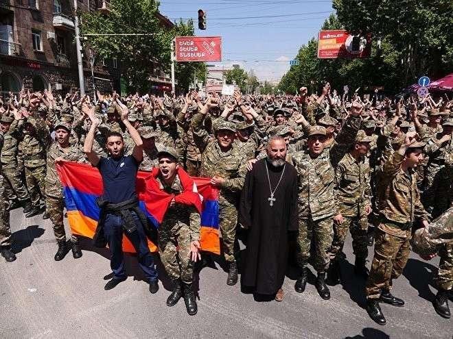 Армения на пороге гражданской войны? Чем опасна бархатная революция Пашиняна
