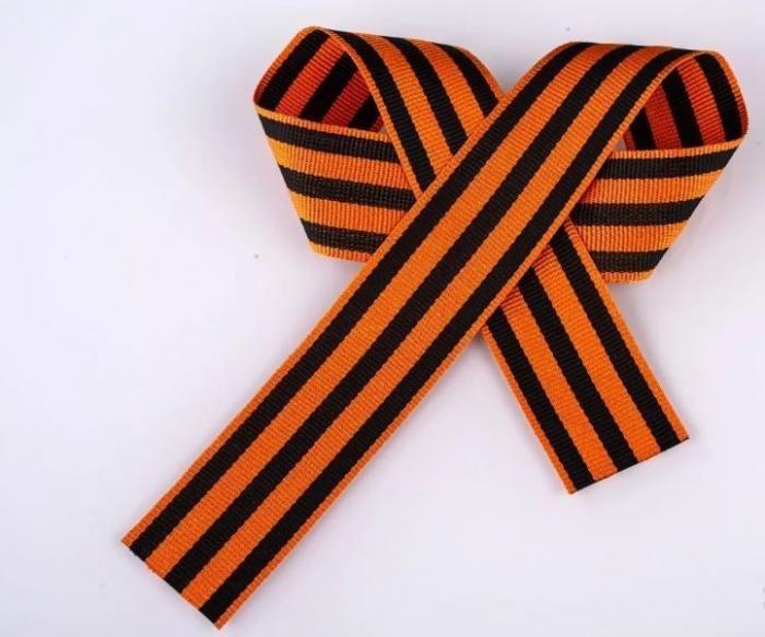 Белоруссия. Местечковый школьный бандеровец срывала с детей георгиевские ленты