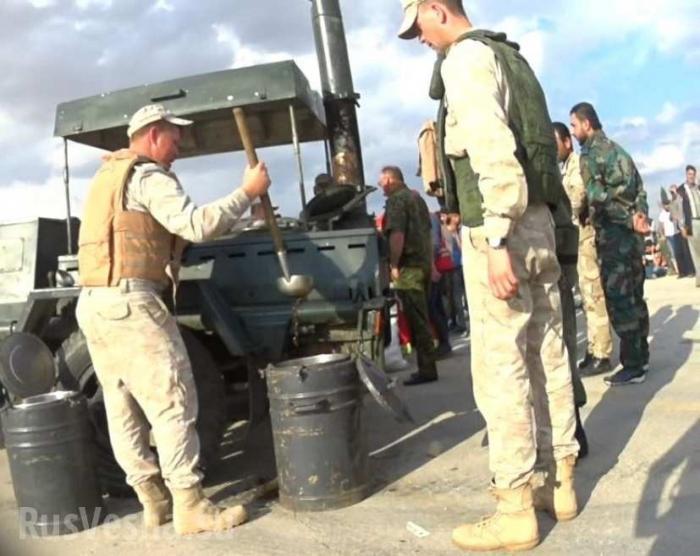 Сирия, скрытая камера: «Злые русские воины заставили боевиков есть солдатскую кашу»