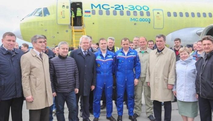 Второй лайнер МС-21 успешно совершил свой первый полёт