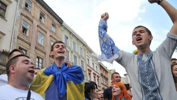 На Украине студентов и преподавателей изгоняют из ВУЗов за инакомыслие