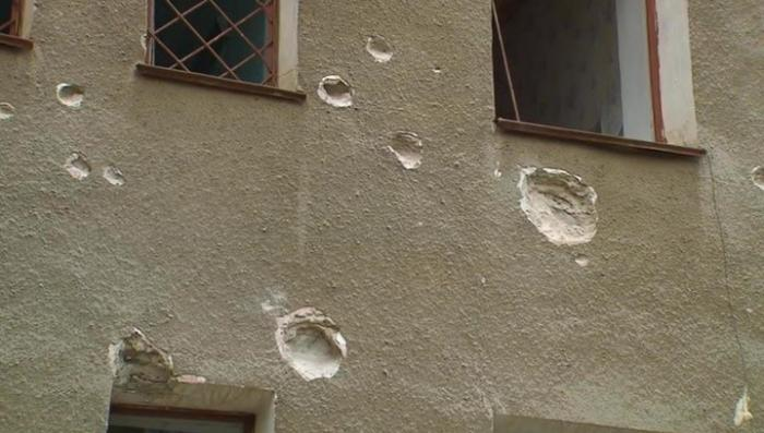 Украинские каратели несколько дней не прекращают обстрелы жилых домов ДНР