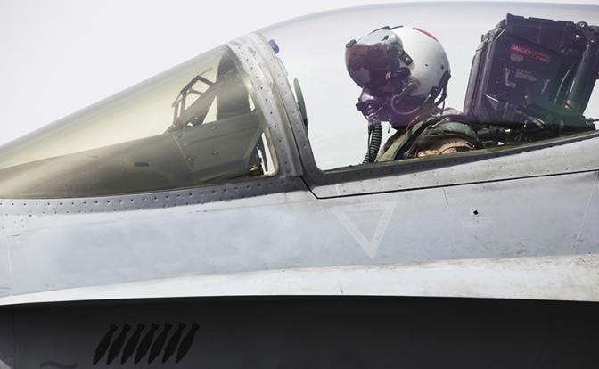 Летчик F-22 Хищник: перехватывать русских– это очень опасно