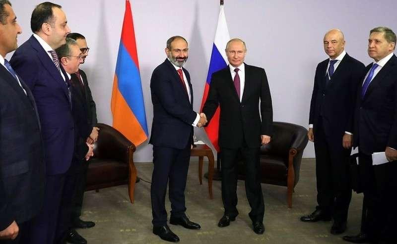 Перед началом встречи сПремьер-министром Республики Армения Николом Пашиняном.