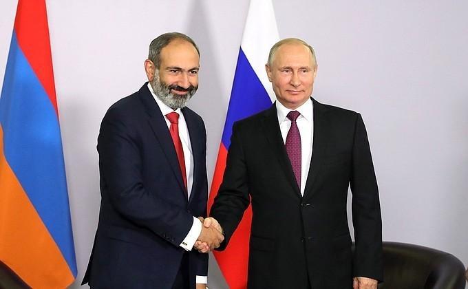 Встреча Владимира Путина с Премьер-министром Армении Николом Пашиняном