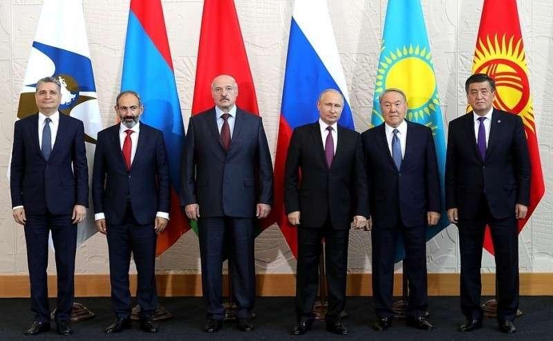 Участники заседания Высшего Евразийского экономического совета.