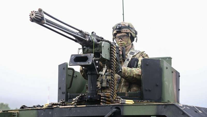 ЕС спешно создает евроармию без НАТО. Польша и Украина в проигравших