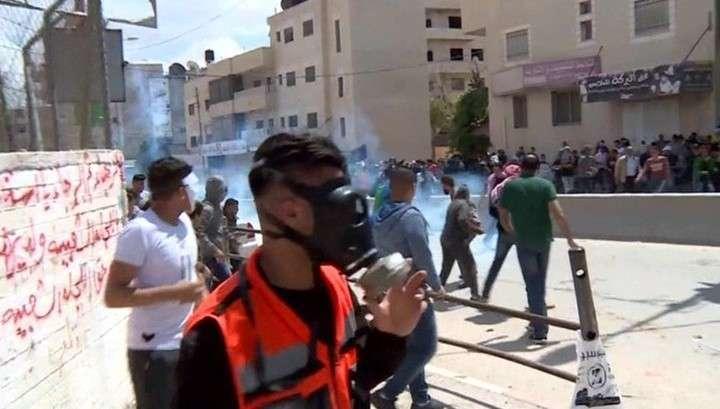 Сектор Газа: израильские террористы распыляют газ в Палестине с помощью дронов