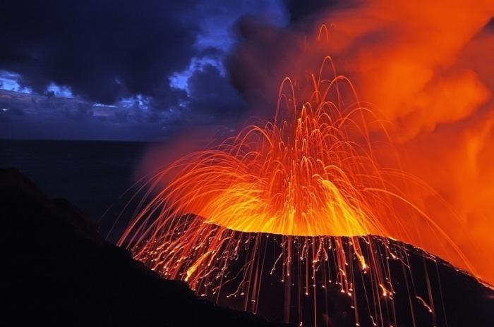 Извержение вулкана на Гавайях приобретает катастрофические масштабы
