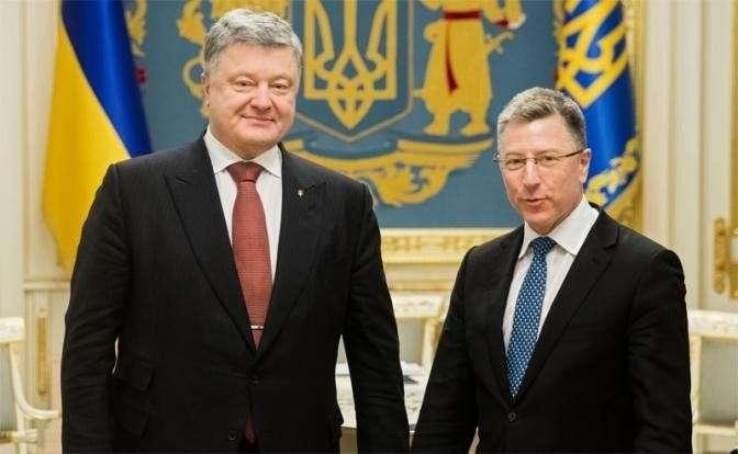 На фото: спецпредставитель США Курт Волкер во время визита в Киев после встречи с Петром Порошенко