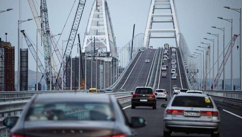 Американские кретины призывают разбомбить Крымский мост