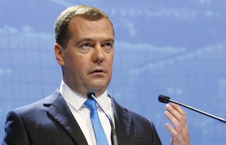 Медведев: Европе придется заплатить за санкции против РФ своей долей на российском рынке