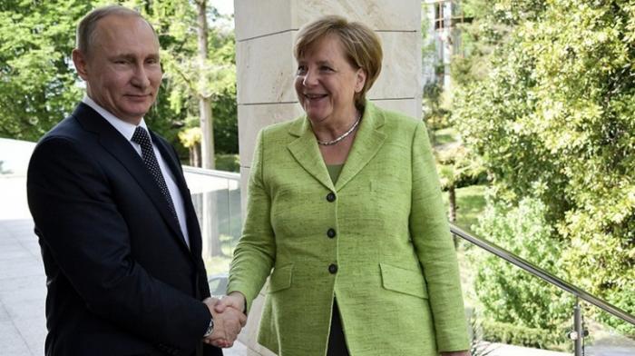 Сочи. Что будут решать на переговорах Владимир Путин и Ангела Меркель