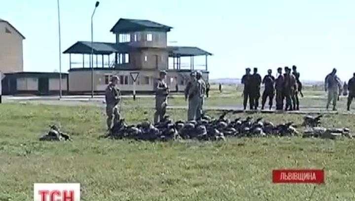 На учениях НАТО укро-военные живут в дырявых палатках и моются из бочек