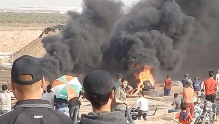 Под пули террористического Израиля встают старики, женщины и дети