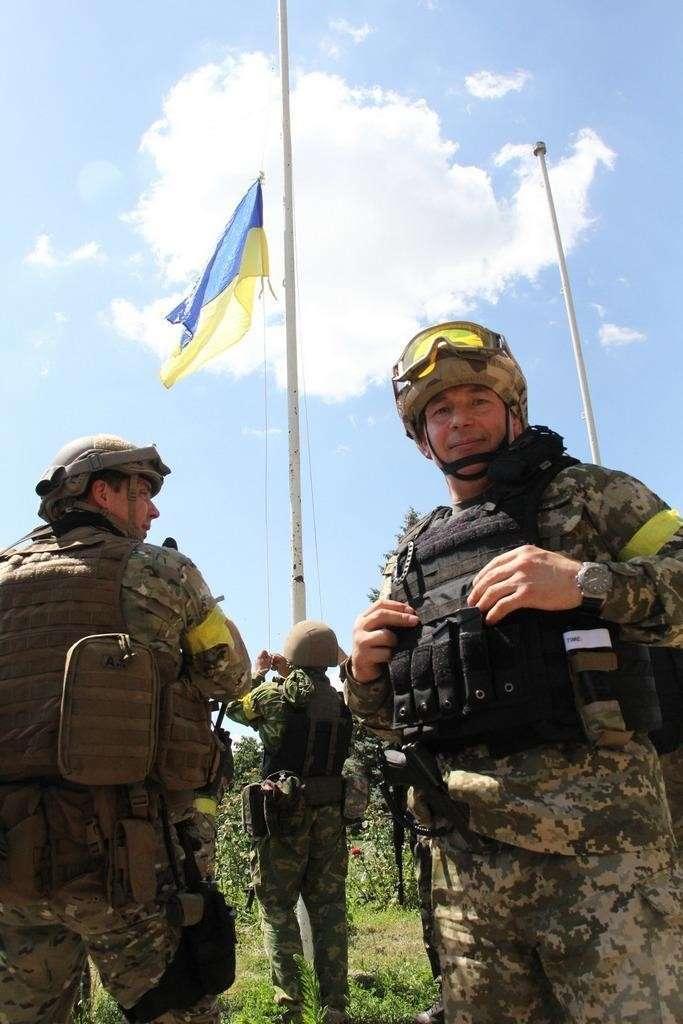 На Украине опасаются, что после заявления главы Минобороны над  страной будет смеяться весь мир