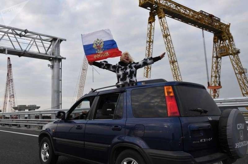 Простой украинец про Крымский мост: Ребята, это просто сказка!